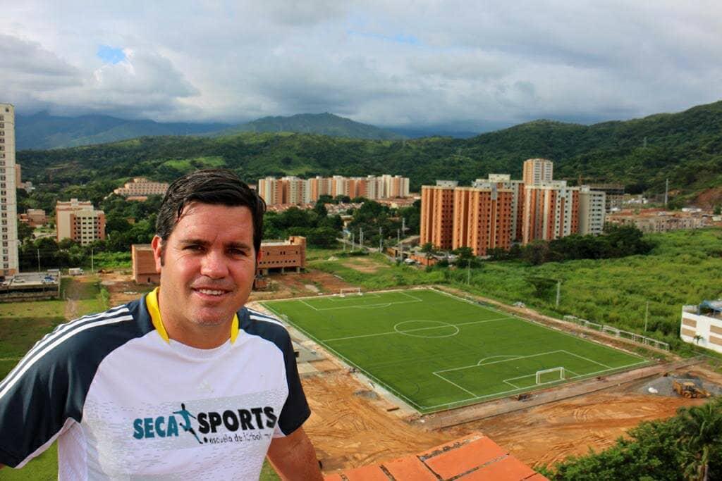 Sebastian Cano Caporales Agente de jugadores - Sebastián Cano Caporales: Un agente FIFA enamorado de su profesión